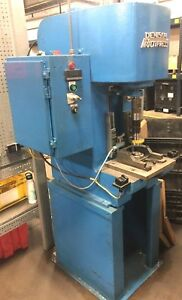 Running Denison Multipress 4 Ton Hydraulic Press 440v 3hp W Dual Safety Buttons