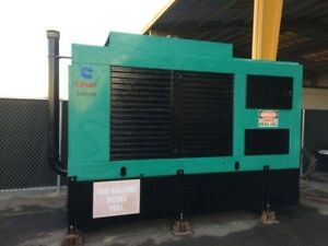 Cummins Onan 350kw Diesel Generator Enclosed With Tank 357 Hours