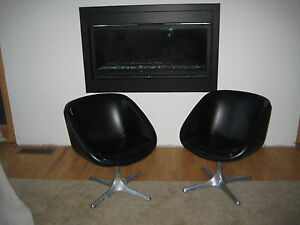 Midcentury Vintage Pair Of Pod Chairs Swivel Excellent
