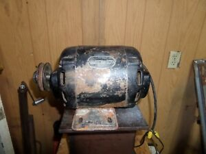 Vintage Wards 1 2 Hp Electric Motor 110 220 Ac Runs Excellent Includes Pulley