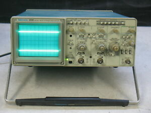 Tektronix 2220 60mhz Digital Storage Oscilliscope
