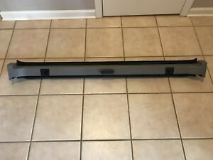 2002 2013 Avalanche Escalade Ext Midgate Latch Bar Pewter Gray Used