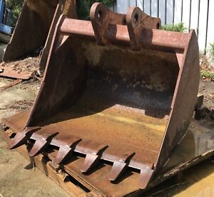 John Deere 310e 36 Backhoe Bucket 6 Teeth