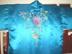 Fine Old Chinese Turquoise Silk Robe Kimono W Embroidered Chrysanthemums