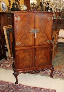 Antique Queen Anne Flamed Mahogany Cocktail Bar Cabinet Living Room Furniture