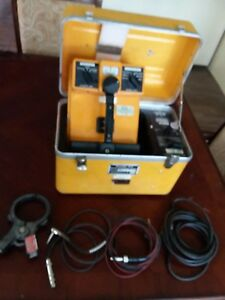 Dynatel 573 Cable Locator W Cables Inductive Clamp Batteries