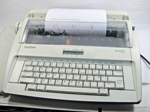 Brother Ml300 Eletronic Display Typewriter Portable Inc Ink Roll See Video Works