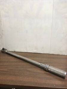 Snap On Tools 1 2 Drive Torque Wrench 30 200 Ft Lbs Qjr3200c