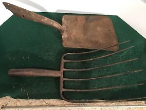 Old Vtg Antique Tool Shovel Pitch Fork Rusty Primitive Farm Decor