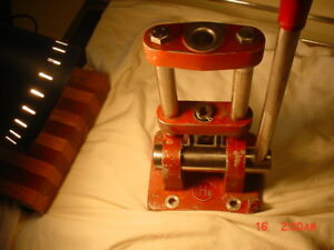 C&H Reloading Press very heavy duty VERY GOOD CONDITION WORKS RERFECT
