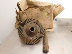 John Deere 2010 Tractor Nos Differential Assembly T12995 At15884 13050