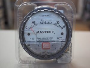 Dwyer Magnehelic Pressure Gauge 0 To 0 25 2000 00