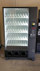Dixie Narco 2145 5591 Glass Front Vending Machine