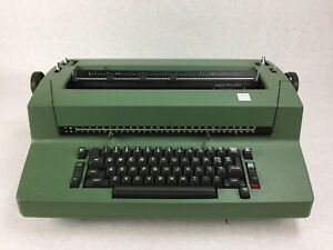 Vintage Ibm Correcting Selentric Ii 2 Typewriter Rare Green Color