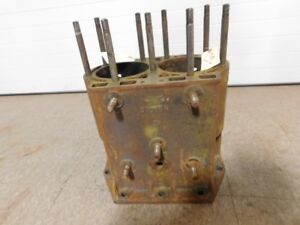 John Deere Styled D Tractor Cylinder Block D1716r 13145