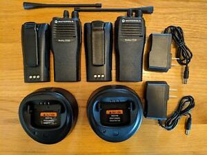 2 Refurbished Motorola Cp200 Uhf Two way Radios Aah50rdc9aa1an Free Programming