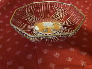 Silver Plate Wired Bread Basket Item 092