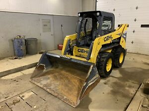 2016 Gehl R220 Skid Steer Loader T Bar Controls Rubber Tire video