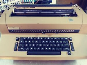 Ibm Selectric Ii 2 Correcting Typewriter Tan Vintage