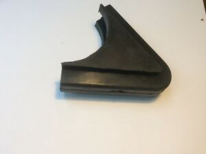 Volvo 122 Rubber Wedge At Vent Window For The Amazon Model