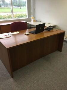 Executive Desk And Credenza With Keys