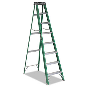 Louisville 592 Folding Fiberglass Step Ladder 8 Ft 7 step Green black Fs4008