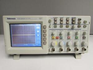 Tektronix Tds2014 Oscilloscope Digital Storage 100 Mhz 1 Gs s 4 ch