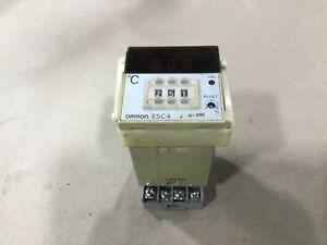 Omron E5c4 r40j Temperature Controller With 5x852e Base 55a40