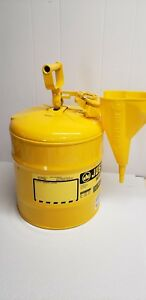 New Justrite Type I Safety Fuel Can 5 gal Yellow 7150200 With Funnel