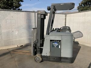 Crown Rc3020 30 Electric Stand Up Forklift Lift Truck 36v W Charger