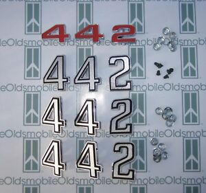 1972 Olds Cutlass 442 Grill Fenders Trunk Emblem Set With Hardware