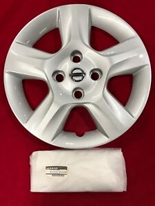 New Genuine Oem 2007 2010 Nissan Sentra 16 Wheel Center Hubcap 40315 et00a
