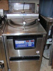 Broaster 2400 Gas Fried Chicken Pressure Fryer Restaurant Use Detroit