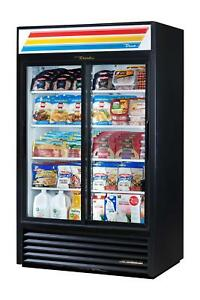 True Gdm 33cpt ld 40 Two section Pass thru Convenience Store Cooler