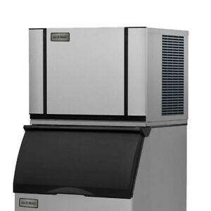 Ice o matic Elevation Series 435lb Halfcube Air Cooled Ice Machine