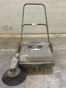 Dayton 19 Push Floor Sweeper