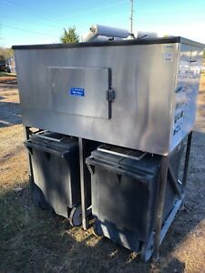 Howe 60 Ice Machine Bin With 2 Transport Cart System Rolling Ice Storage Carts