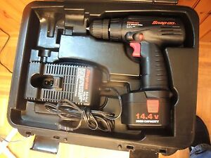 Drill Snap On Tools Snap on 3 8 Cordless Driver drill W Hard Case