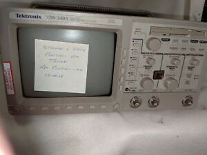 Tektronix Tds 340a Two Channel Digital Real Time Oscilliscope