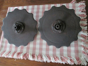 2 Vtg Antique Ih Farmall Rolling Coulter Plow Scalloped Discs Blades W hubs