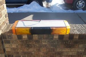 Whelen Mini 28 Inch Light Bar Very Nice Collectors