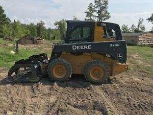 John Deere 326 E Skid Steer Loader