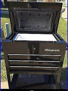 Snap On Tools Ice Chest Replica Roll Cart Black Ssx17p117gb New In The Crate