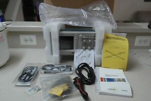 Tektronix Tds 1002b Two Channel Digital Storage Oscilloscope 60 Mhz 1 Gs s