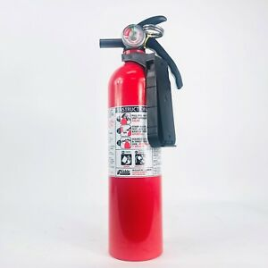 440161 Fire Extinguisher 2 5 Lb Bc fc10 With Plastic Bracket By Kidde