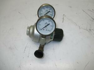 Air Products Compressed Oxygen Regulator With Whitey Front Knob 2201