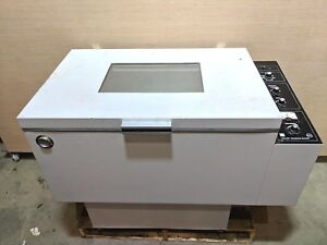 Lab line 3525 Floor Model Orbital Incubator Shaker Tested Fully Functional