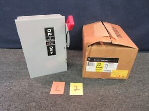Ge General Electric Circuit Breaker Th2261dc Box 30 Amps Fusible Safety Switch