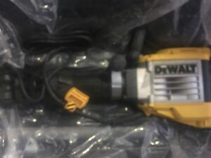 Dewalt D25960 Demolition Hammer Kit
