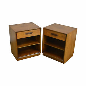 Henredon Circa 60 Collection Pair Danish Modern Style Walnut Nightstands